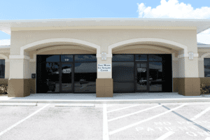 Fort Myers eye surgery location
