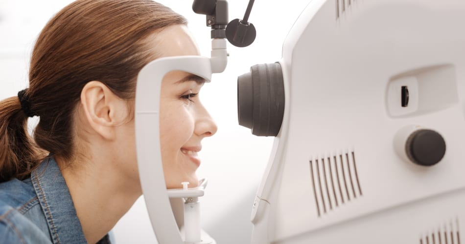 visual field testing and diagnostic eye testing